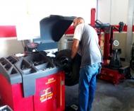 Officine Milanese  - Vendita e Assistenza Pneumatici – Meccanico  Elettrauto Impianti a Gas Allesimenti disabili - Surbo Lecce Pneus Expert
